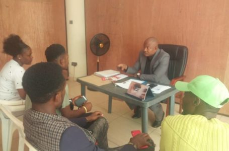 Dr. Nwoko Receives a Youth Group, Promises to offer them support.