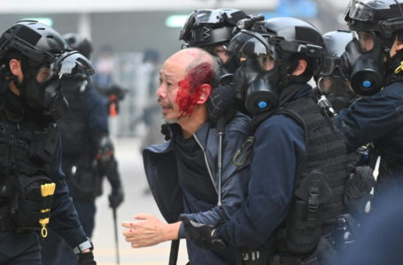 Officials overwhelmed after police disband Hong Kong democracy rally